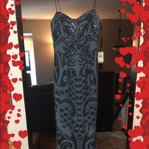 BEAUTIFUL BLAC BLUE SEQUINED DRESS STRAPLESS NEW